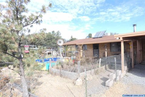 Photo of 512 E Cain Dr, Silver City, NM 88061