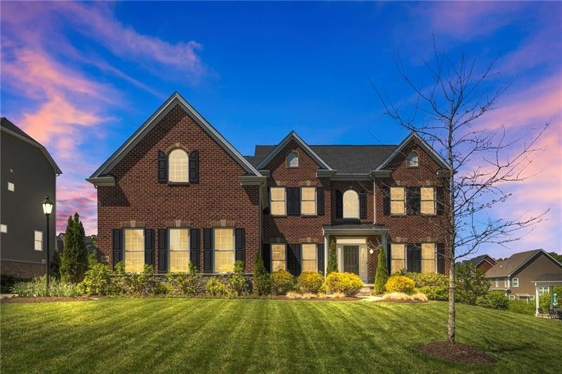 206 Red Hawk Dr Cranberry Township, PA 16066