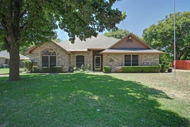 1102 Oak Tree Ln Weatherford, TX 76086