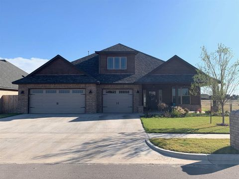 Photo of 4017 Ne Realtree Dr, Lawton, OK 73507