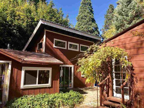 Photo of 1348 Pine Grove Dr, Mount Shasta, CA 96067
