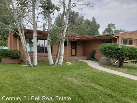 Photo of 3721 Mc Comb Ave, Cheyenne, WY 82001