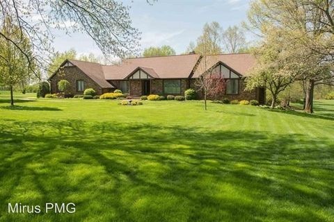 Photo of 1460 Fawn Ridge Dr, West Lafayette, IN 47906