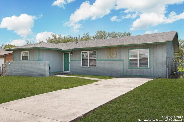 1810 Point West St San Antonio, TX 78224