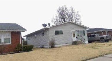 2308 Adams St Granite City Il 62040 Realtor Com
