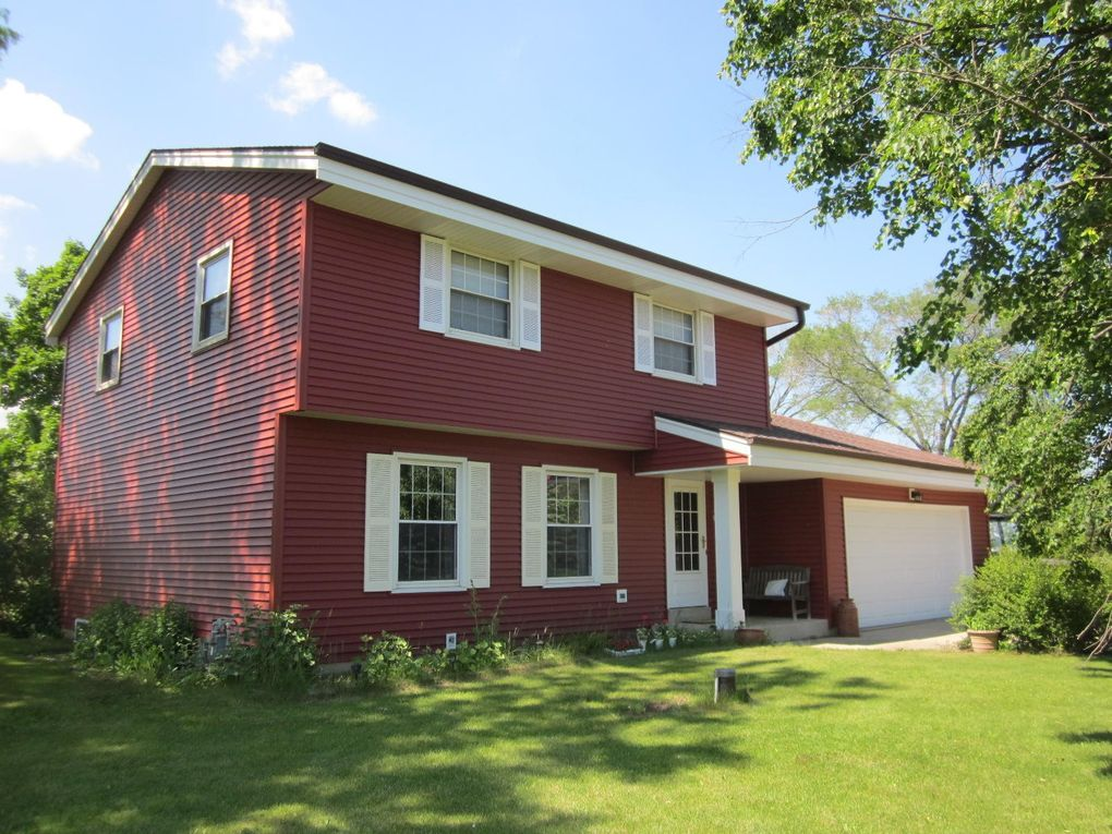W330S8215 Country Ln S Mukwonago, WI 53149