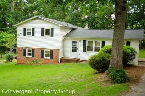 Photo of 241 Lorraine Dr, Travelers Rest, SC 29690