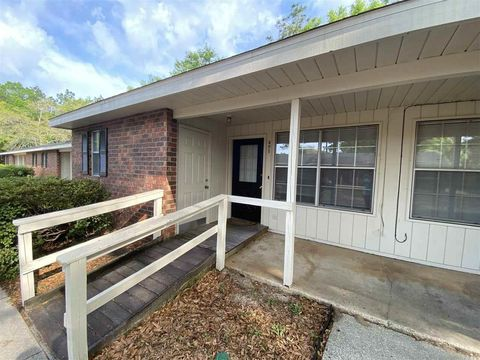 Photo of 6288 Hamilton Bridge Rd Apt 405, Milton, FL 32570