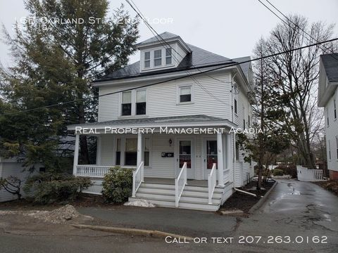 Photo of 16 B Garland St Unit 2 Nd, Bangor, ME 04401