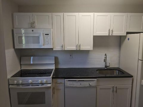 Photo of 501 Lawrence Rd Apt C3, Broomall, PA 19008