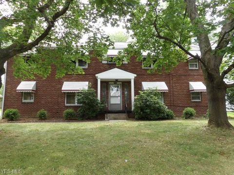 Photo of 5247 Old Oxford Ln Apt 2, Youngstown, OH 44512