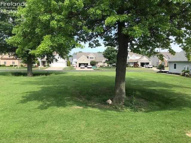 2086 S Bristol Dr Marblehead, OH 43440