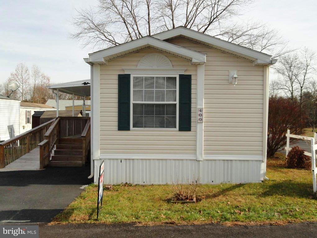 400 Oak Dr Green Lane, PA 18054