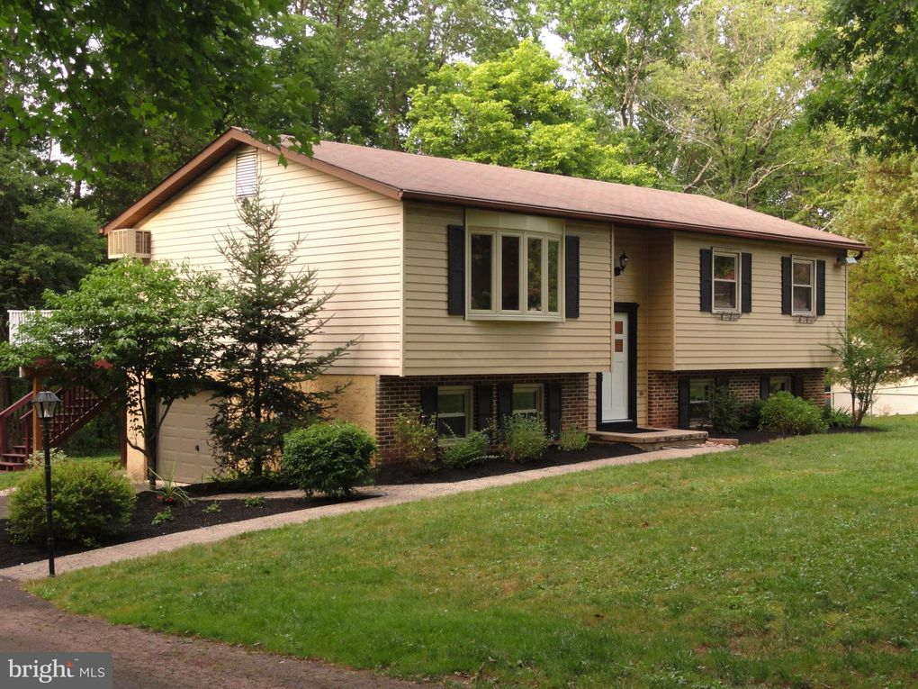 4110 Dara Cir Collegeville, PA 19426