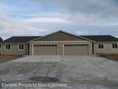 Photo of 2442-2444 Ne Colleen Dr, Prineville, OR 97754