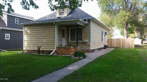 Photo of 203 Pioneer Ave, Hayti, SD 57241
