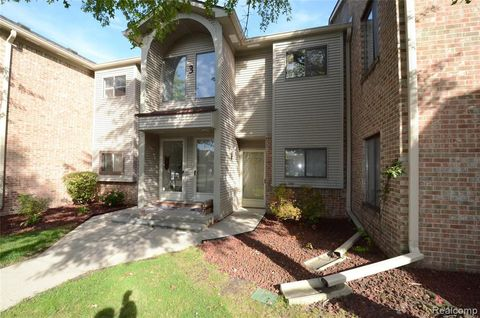 Photo of 42481 Lilley Pointe Dr, Canton Township, MI 48187