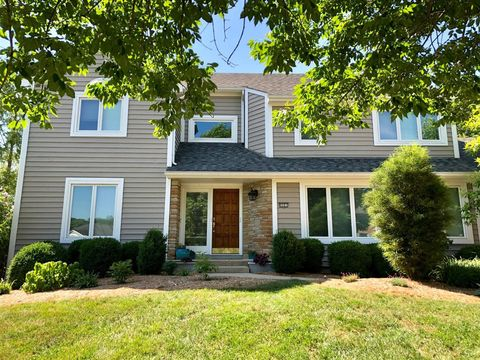 Photo of 9981 Pond Woods Ln, Sharonville, OH 45241