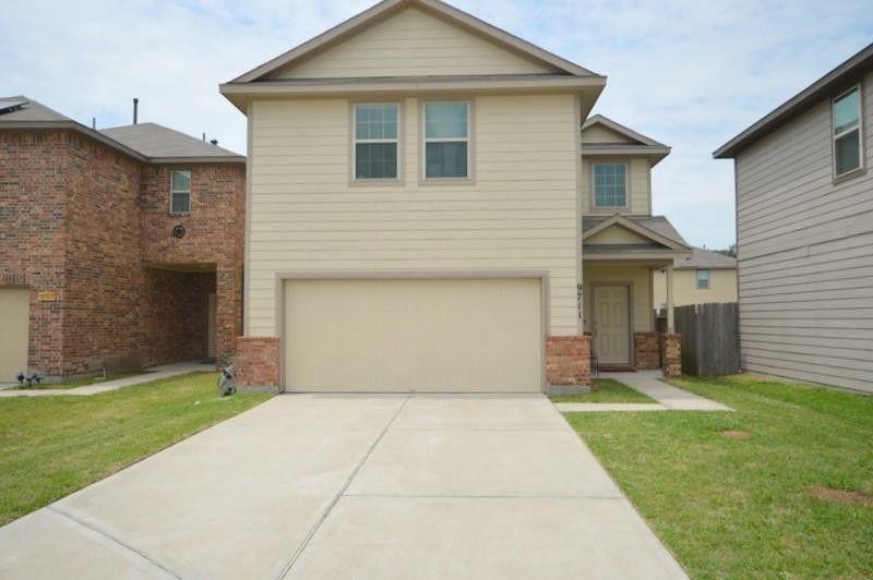 9711 Raisbeck Pl Houston, TX 77044