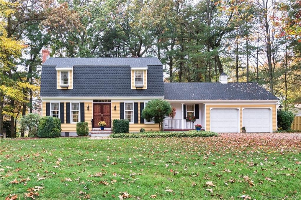 4 Centerwood Dr Cromwell, CT 06416