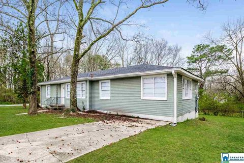 Photo of 205 22nd Ave Nw, Center Point, AL 35215