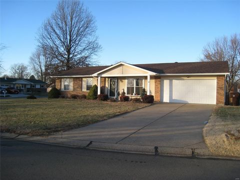 Photo of 3928 Nugget Dr, Saint Peters, MO 63376