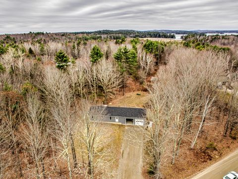 Photo of 4 Wentworth Cove Rd, West Gardiner, ME 04345