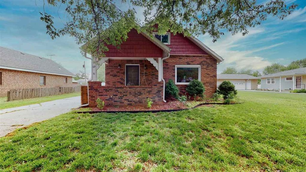 619 N Loomis St Garden Plain, KS 67050