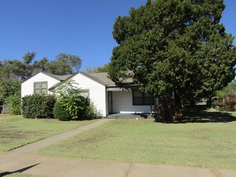Photo of 411 E 13th St, Littlefield, TX 79339