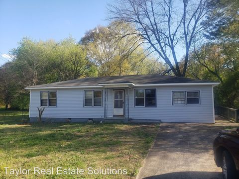Photo of 2109 Finley St Sw, Jacksonville, AL 36265