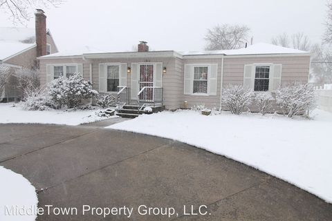 Photo of 1312 N Woodridge Dr, Muncie, IN 47304