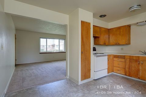 Photo of 4105 Sw Hocken Ave Apt 204, Beaverton, OR 97005