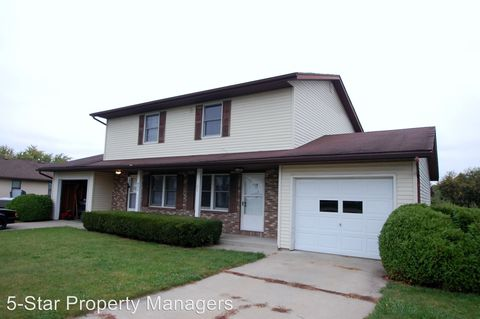 Photo of 402 S Silverwood Ln Apt A, Goshen, IN 46526