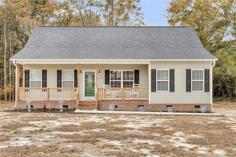 Photo of 165 Cato Heights Ln, Pageland, SC 29728