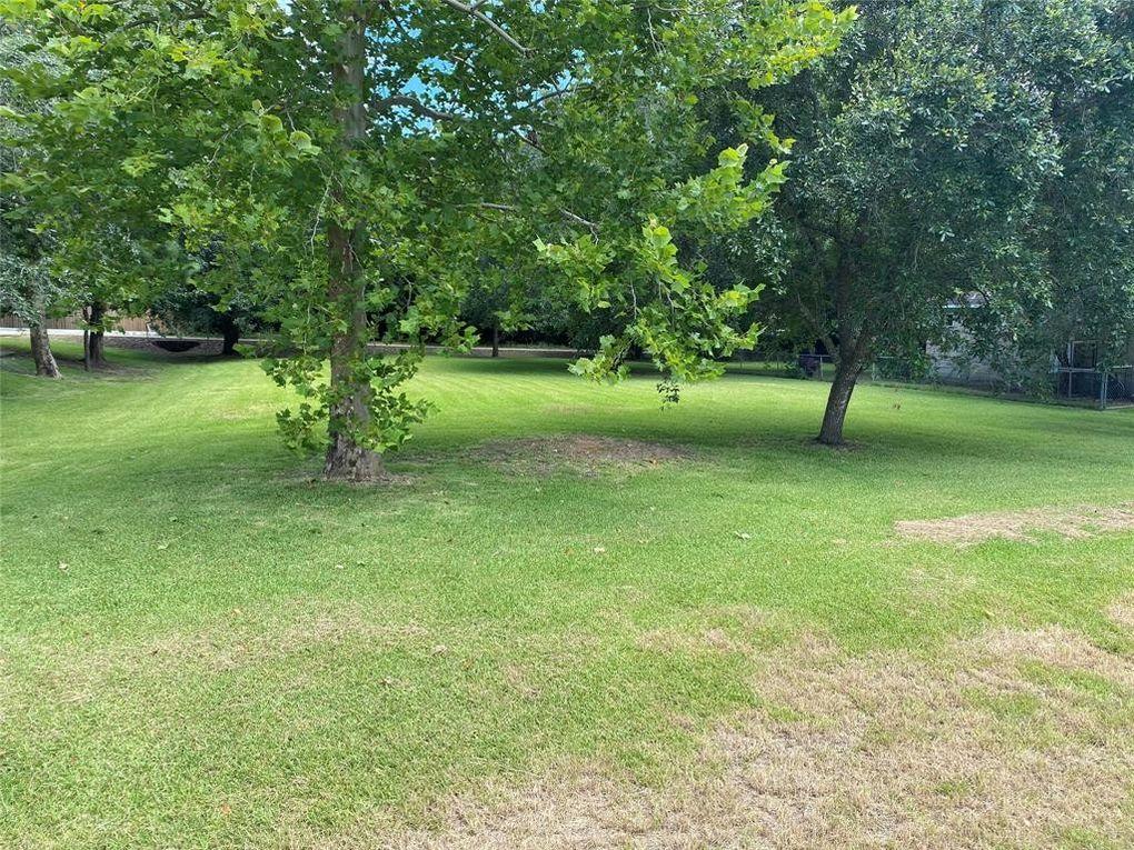 5307 Bayou Dr Dickinson, TX 77539