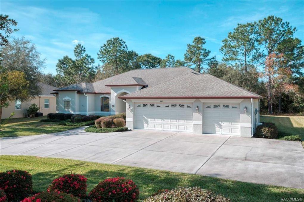 115 Oak Village Blvd Homosassa, FL 34446