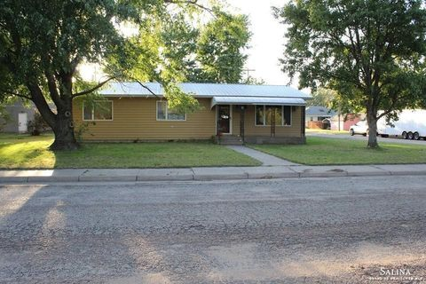 Photo of 600 S 1st St, Bushton, KS 67427