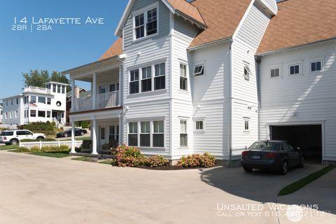 Photo of 14 Lafayette Ave, Grand Haven, MI 49417