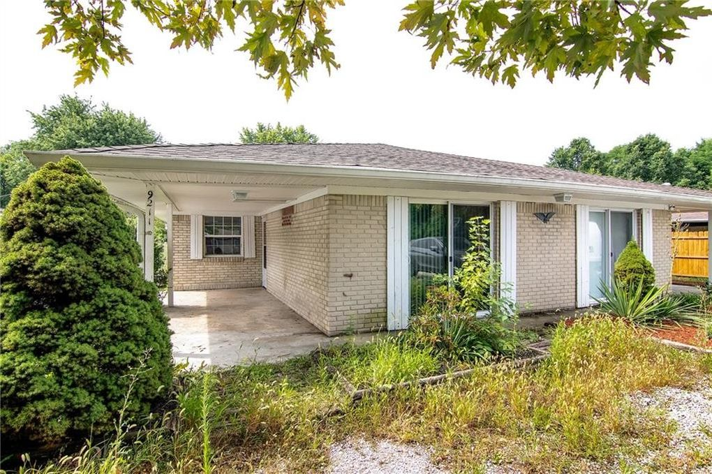 9209 E 12th St Indianapolis, IN 46229
