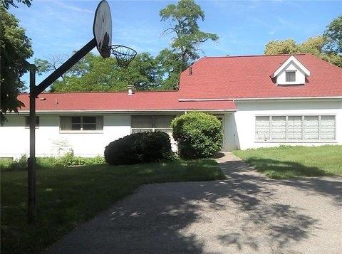 1700 Bartley Rd, Dayton, OH 45414