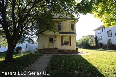 Photo of 104 S Garfield Ave, Burlington, IA 52601