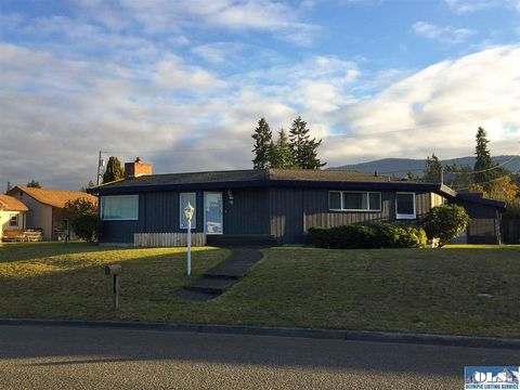 Photo of 118 Fogarty Ave, Port Angeles, WA 98362