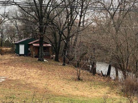 Photo of 2521-2 Rural Route 72, Alton, MO 65606