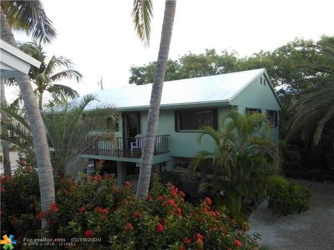 Photo of 231 S Ocean Shores Dr, Key Largo, FL 33037