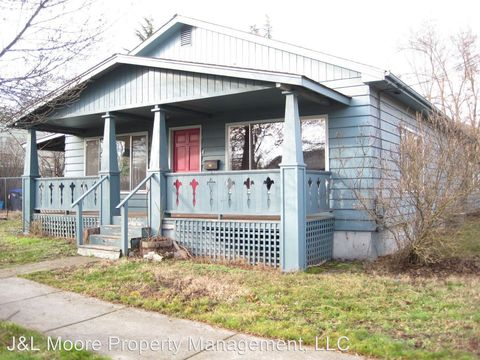 Photo of 159 Wightman St, Ashland, OR 97520