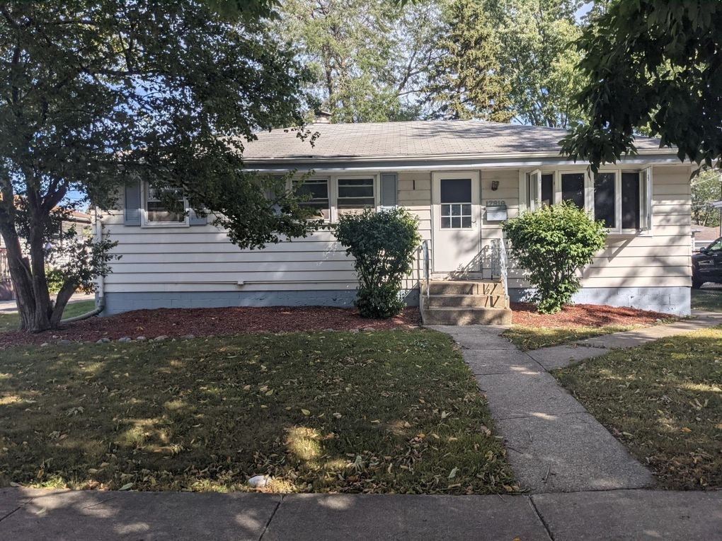 17819 Oakwood Ave Lansing, IL 60438