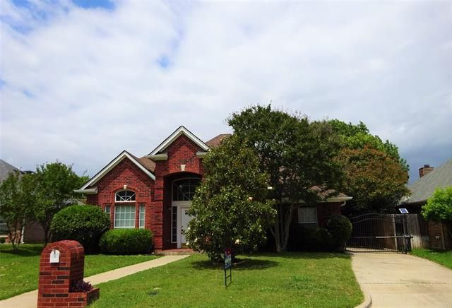4105 Blue Feather Ct Arlington, TX 76016