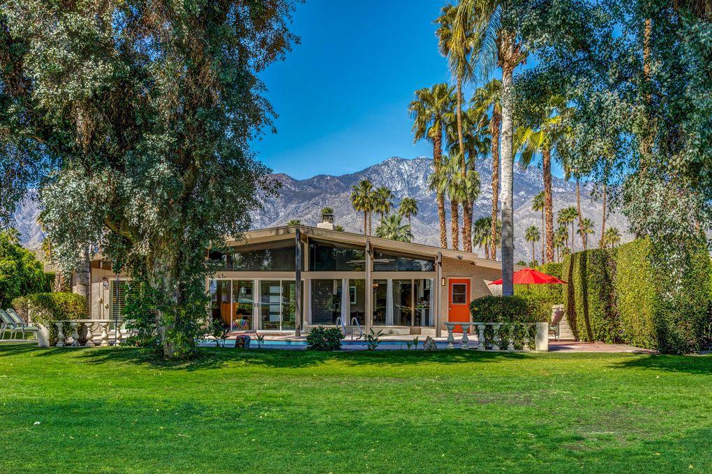 2102 S Broadmoor Dr Palm Springs, CA 92264