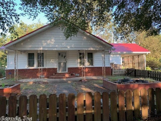 204 N Hickory St Beebe, AR 72012