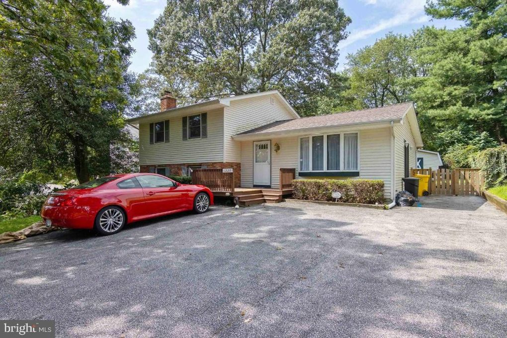 1228 Green Holly Dr Annapolis, MD 21409